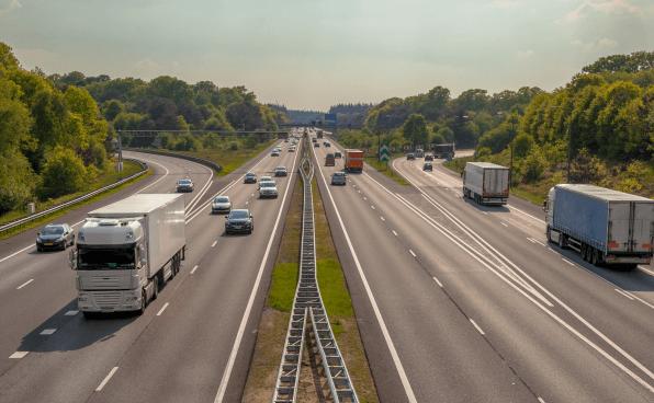Echtzeitsauskünfte über freie LKW-Stellplätze auf den Autobahnen