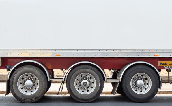 Alternative Treibstoffe: Fortschritte im Aufbau einer Tank- und Ladeinfrastruktur